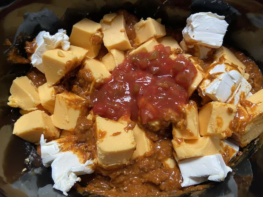 Crockpot Chili Cheese Dip