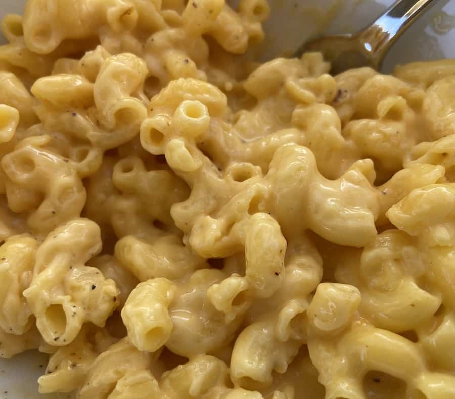 Slow Cooker Gluten Free Baked Mac and Cheese