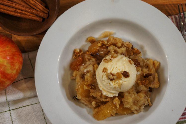 Crock Pot Apple Pie Dump Cake