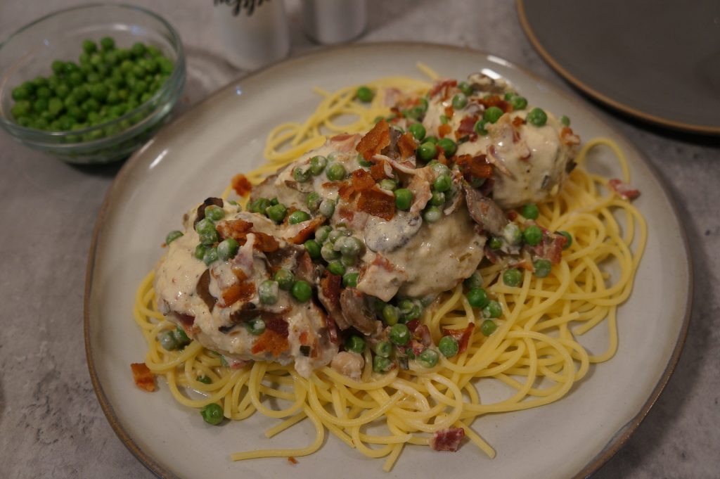 Crock Pot Chicken Carbonara